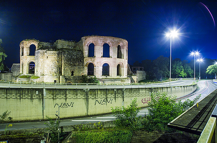 Nachtaufnahme Kaiserthermen Trier von Studio-54